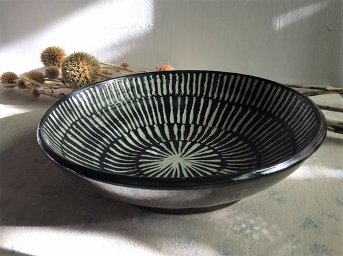 Black and white mediation - market _ pottery plate
