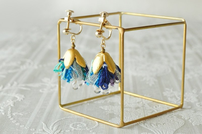 Ribbon tassel earrings/ blue