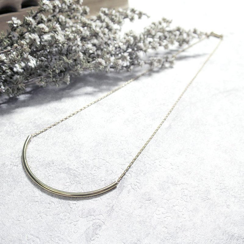 ♦ VIIART ♦ mouth ♦ brass basic paragraph simple clavicle short necklace