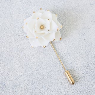 Thai Blossom ~ white & gold porcelain flower brooch pin ~ size M.