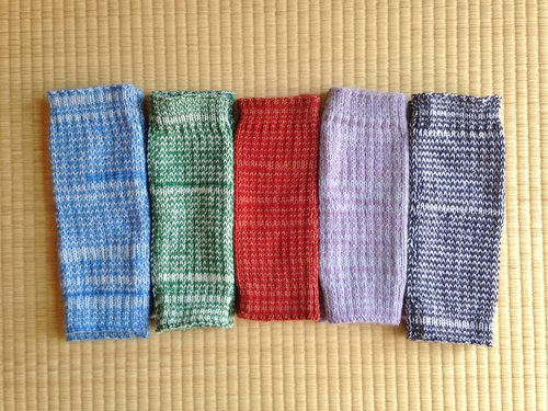 Long leg warmer for autumn / winter green × white (second from the left)