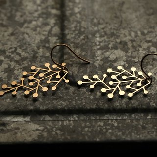 Golden Snow Earrings Snow Days Earring (Gold)