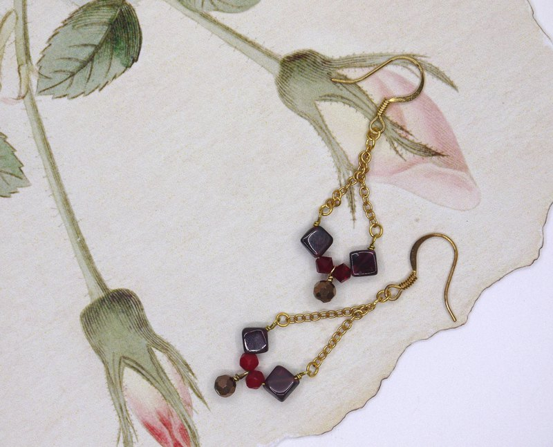 Red fruit garnet crystal earrings