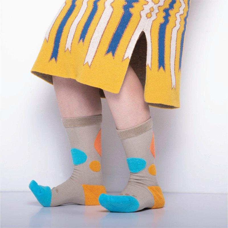 內在美系列 -  心 卡其色 雙面中筒襪 Reversible Socks