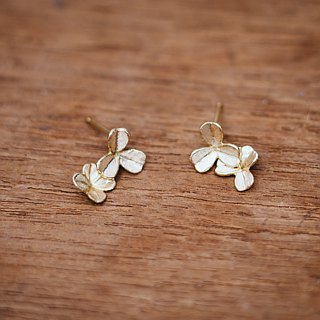 18K Clover - small earrings - gold - gift for her - flower - hypo-allergenic