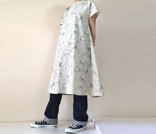 Polar bear pattern flare dress short sleeve white