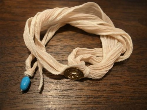 [Flower of the month] silk ribbon bracelet: Turquoise Charm