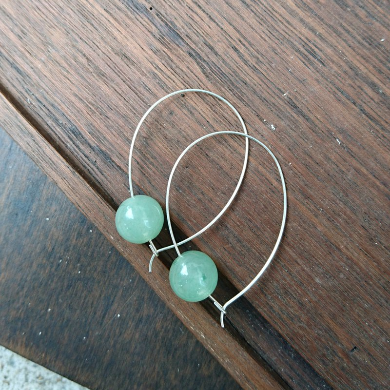 BZ181: silver plated brass hook earrings with jade.