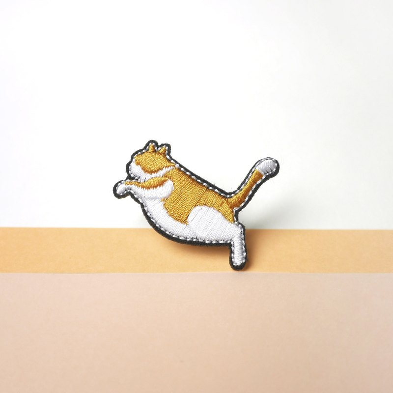 Ginger Cat Kitten Embroidery Pin brooch