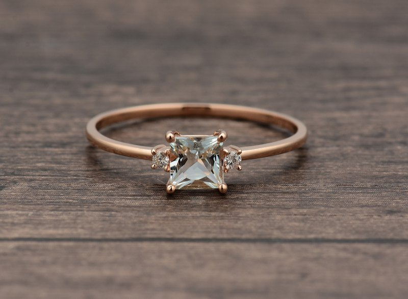0.5 carat Princess Cut aquamarine ring in solid 18k rose gold