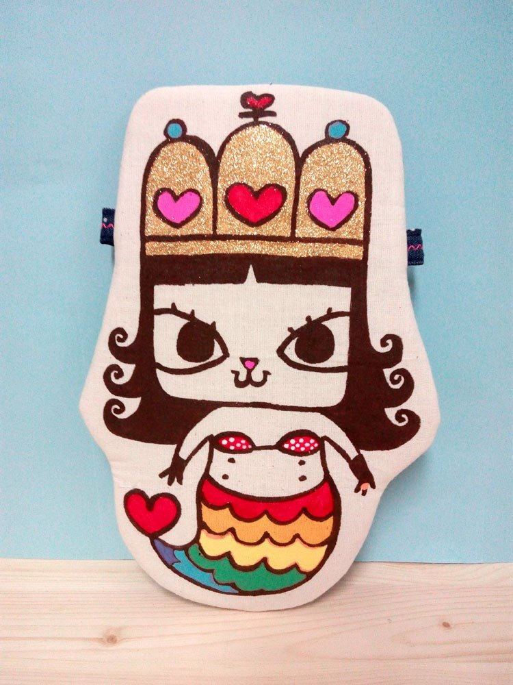 Original hand-painted hand-made doll cat pillow doll storage small things oblique handbags