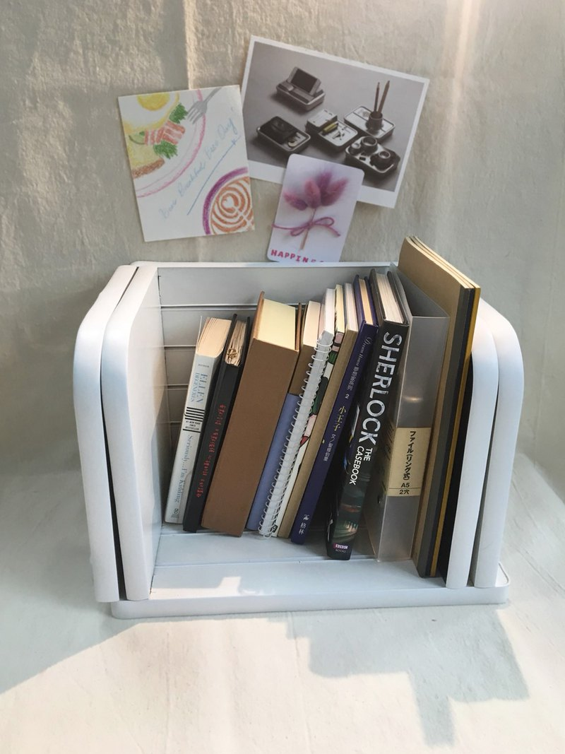 Adjustable book shelf - ivory / texture black
