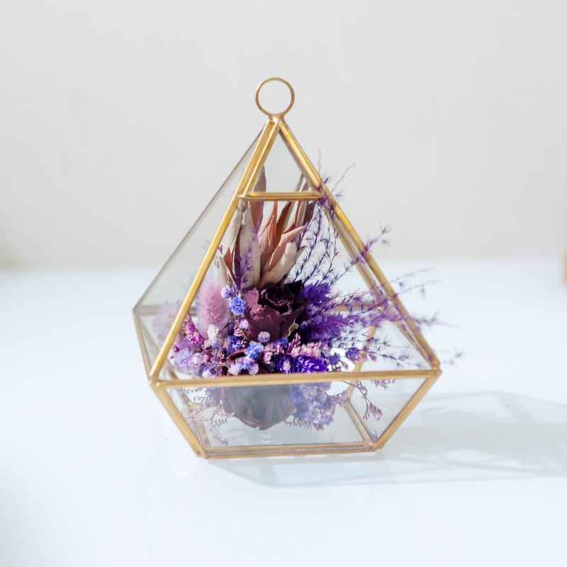 Pyramid of love (purple dry flower)