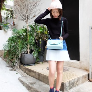 Triangular shoulder bag / oblique backpack / shoulder bag - powder blue