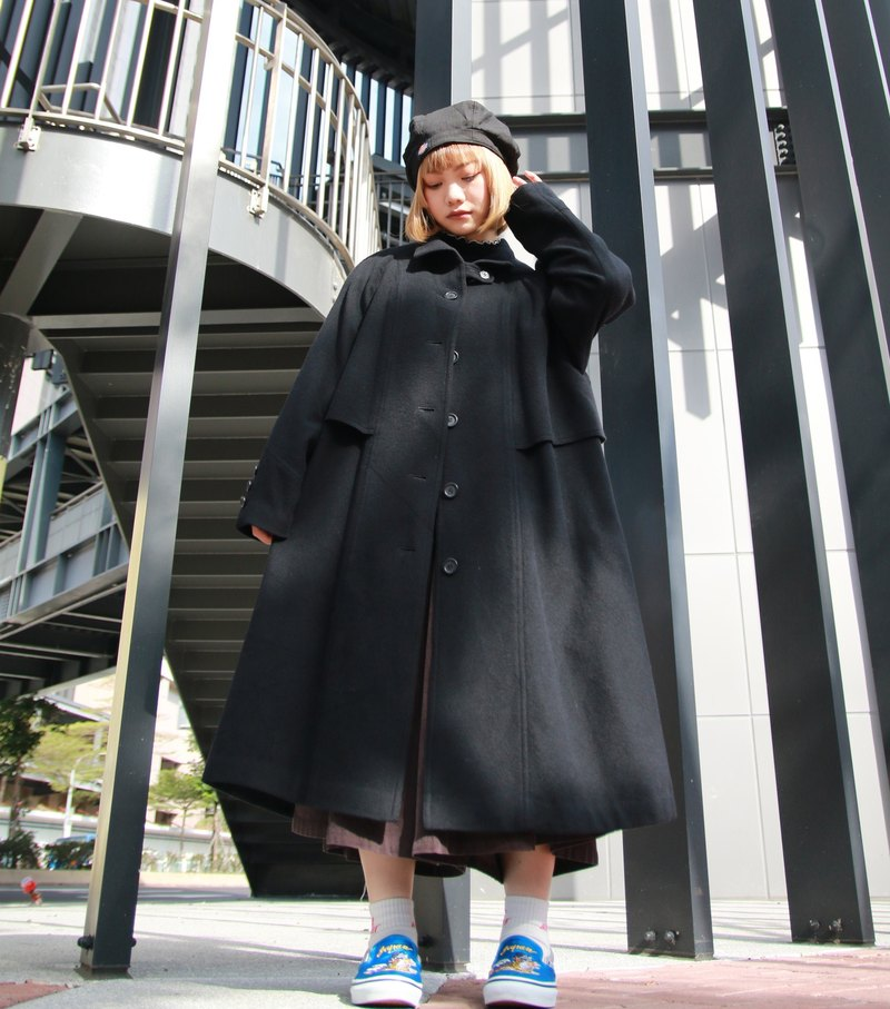 Back to Green :: Nippon black magic 95% wool vintage overcoat (OC-31)