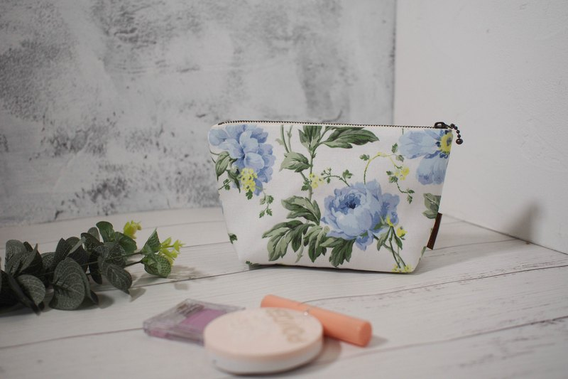 Daily series cosmetic bag / storage bag / limited edition handmade bag / cosmos / pre-order