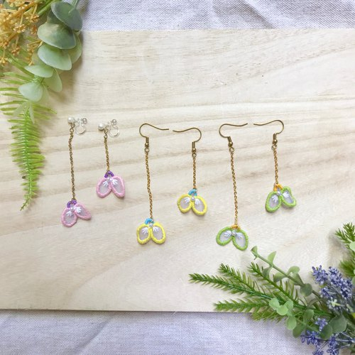 Handmade embroidery / / butterfly dance 翩翩 long chain earrings / / can be changed