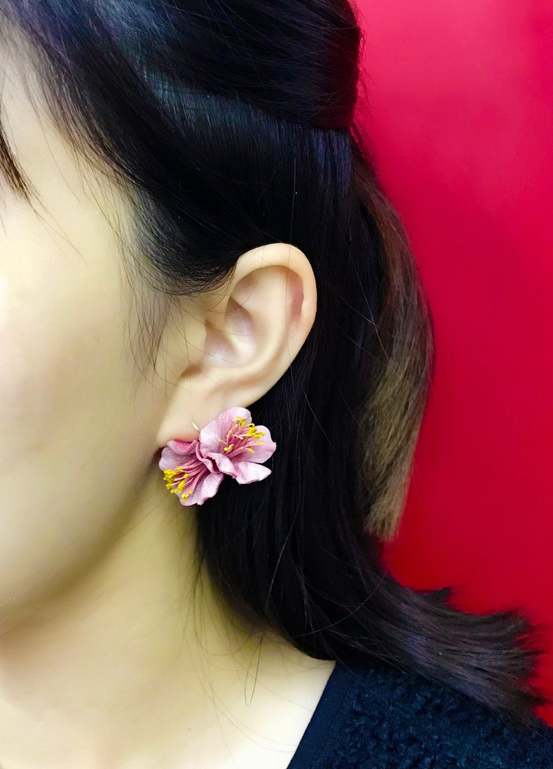 Leather Peach Blossom Earrings │ ear hook │ hanging ear style