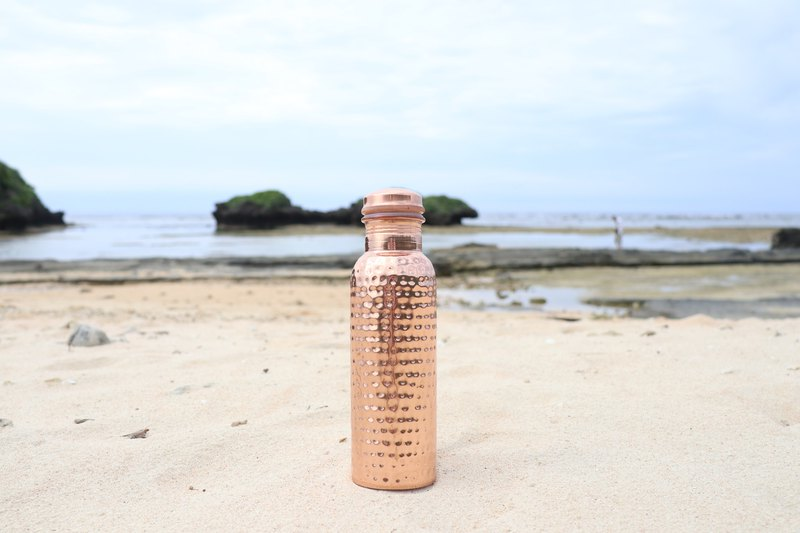 (NEW) Hammered Copper Water Bottle