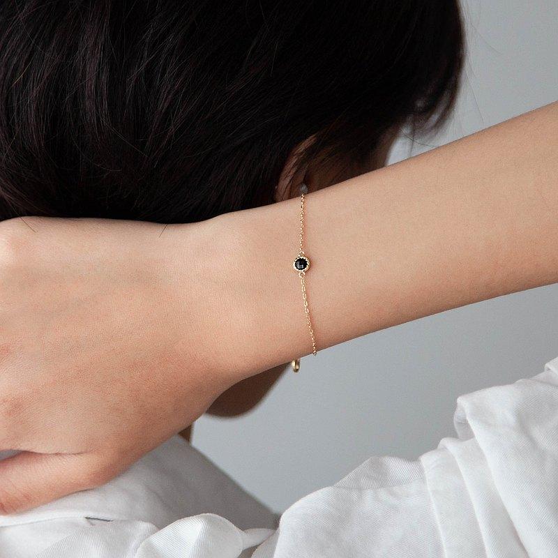 黑尖晶小圓片純銀手鍊   天然石   鍍K金。輕珠寶。禮物