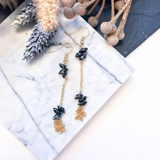 [Da Da Daily] Graceful black stone gold earrings