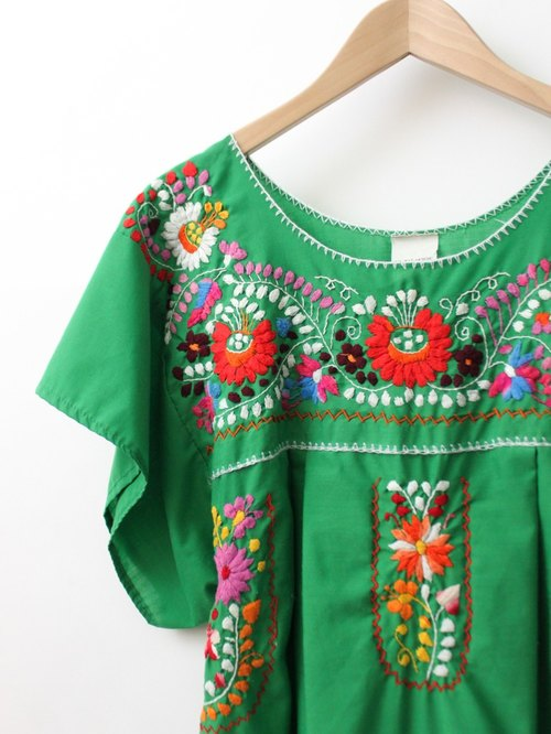 【RE0602MD051】 early summer green flowers hand embroidery American Mexican embroidery ancient dress mexican dress