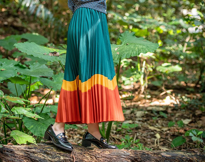 Wave pleated skirt