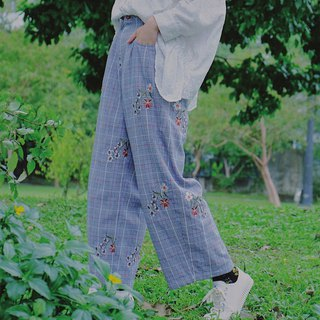 Houndstooth embroidery buds wide pants