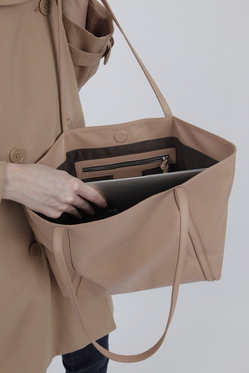 SOUFFLE Pasadena Shopper in Naked Sand Tan