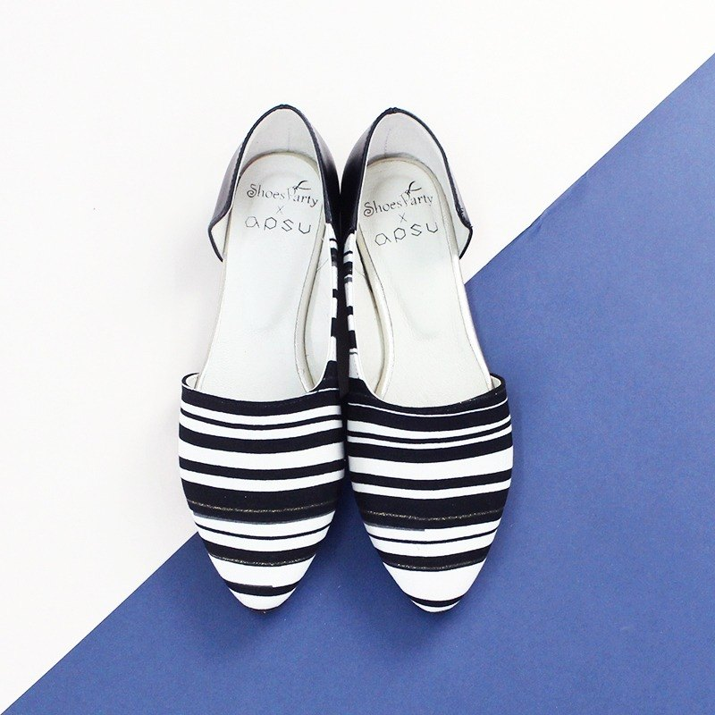 [23.5 spot] black and white oboe side hollow shoes / Japanese cloth / M2-16002F