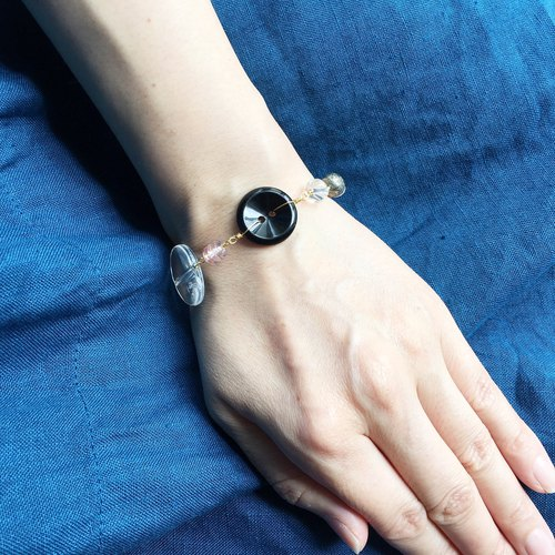 Antique button and beads bracelet - Black -
