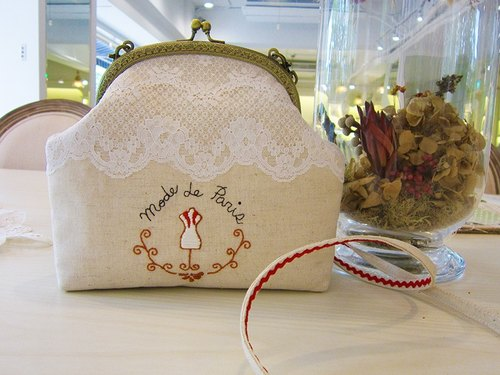 Mode de Paris fashion Paris cross-back / hand 2 hand-painted embroidered gold bag Hand drawn