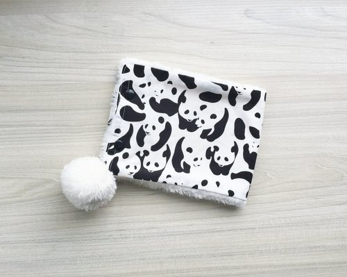 Super soft warm baby neck circumference - panda (pompon models)