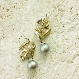 Antique gold leaves with gray pearl drop earrings