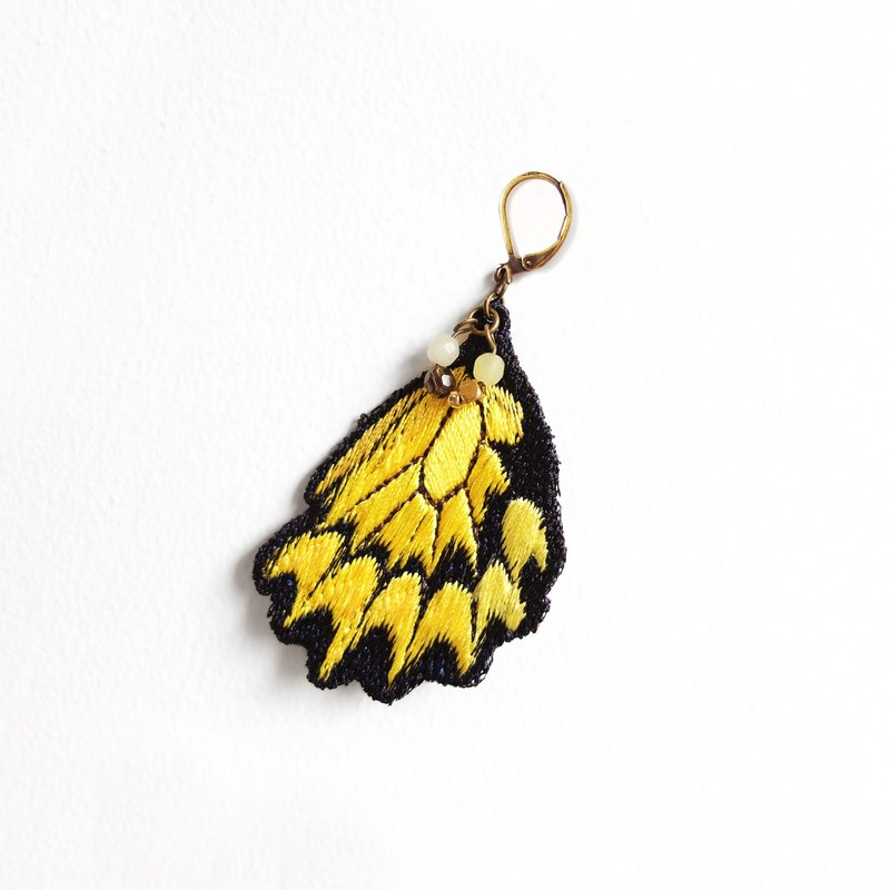 Embroidery Butterfly 'Papilio Tail' Earring / Troides magellanus