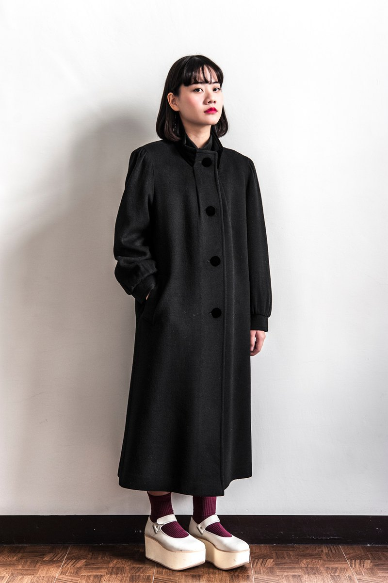 Vintage wide black vintage coat