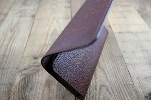 APEE leather handmade ~ mobile phone holster ~ horizontal magnetic clasp hands ~ litchi black brown ~ iphone X
