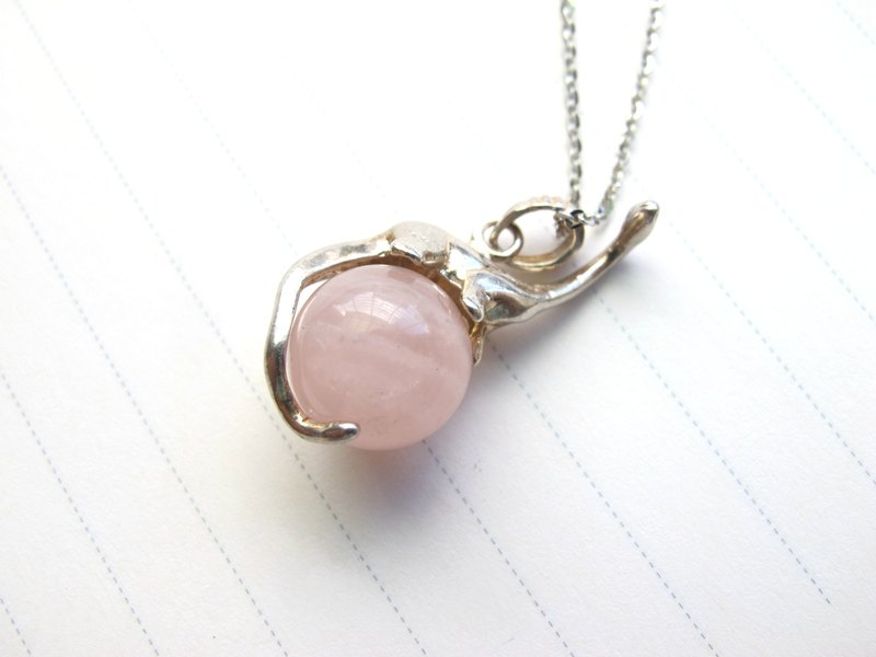 [Dinosaur standing on the earth] Pink crystal x 925 silver - Natural stone necklace series