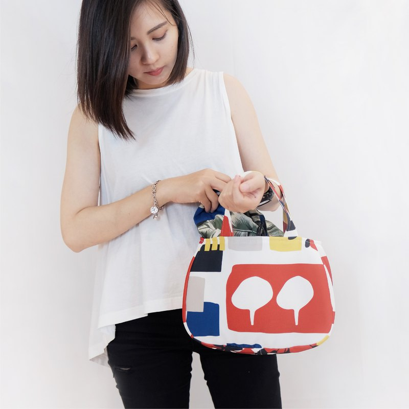 Handbag smile bag piece window view (white) Taiwan original print design Tainan limited