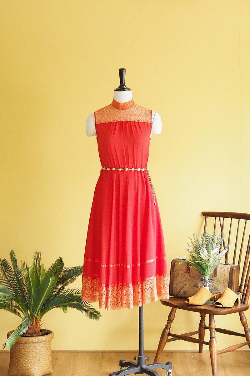 古著洋裝   Size S   Red chiffon with lace detail