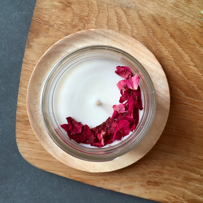 Botanical Tin Candle with Roses | Handpoured Soy Candle | Dried Flower Candles
