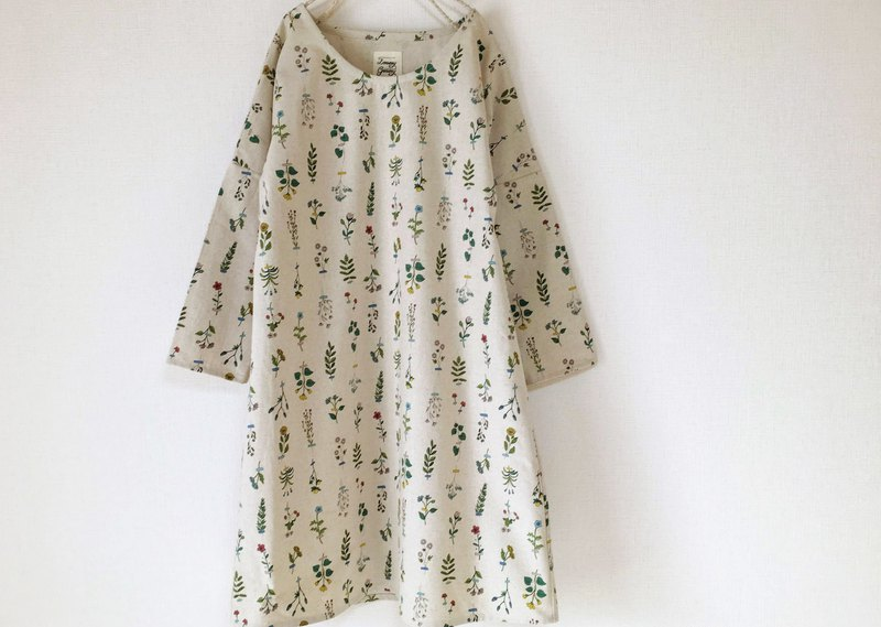 Plant specimen Long sleeve one piece dress Botanical floral pattern cotton linen produced color