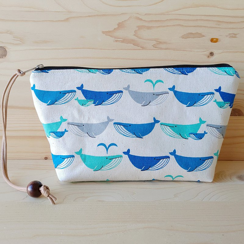 Whale spray cosmetic bag love beauty bag beauty bag / order