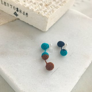 Tricolor Crochet Ball Earrings:navy+turquoise blue+brown
