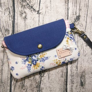 Chomii. Clutch blue floral cell phone pocket