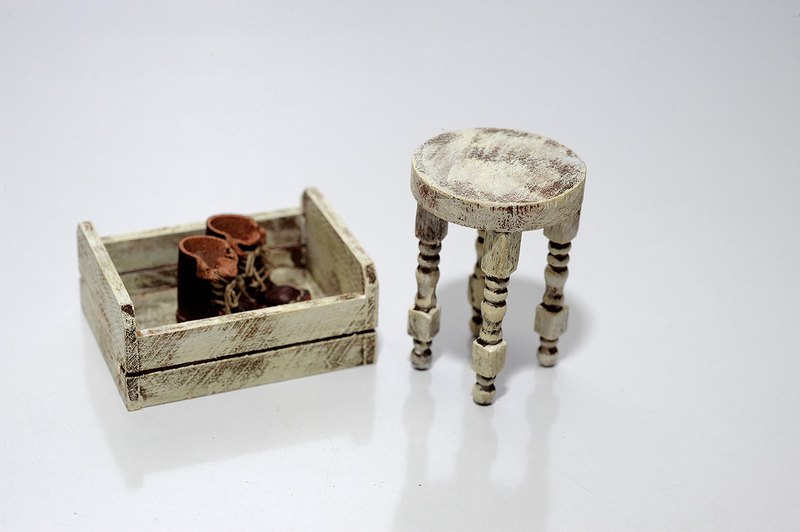 Pocket small things. 12: 1 small wooden chair. Model. Miniature.