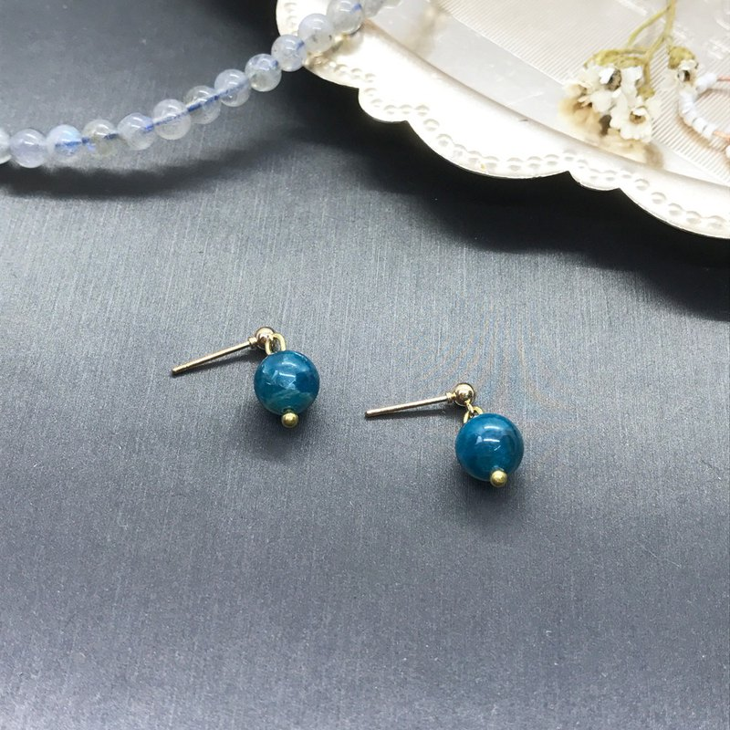 Uesugi Picking - Glossy Kyanite Ultra-Simple Earrings