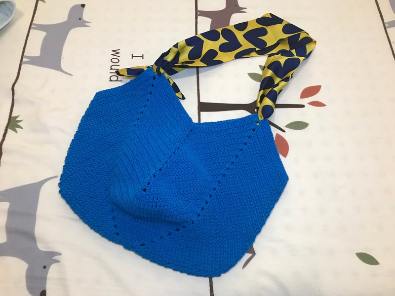 【slow. Handmade] hand-woven old grandmother square bottom bag / can be hand-held or diagonal back - sapphire blue
