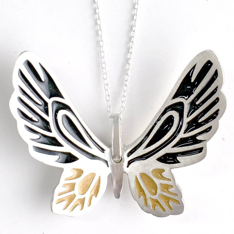 Dielian-Huang Changfeng Butterfly Glue Color Sterling Silver Necklace