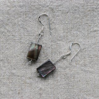 Kawagoe black pearl earrings hanging handmade limited edition
